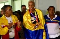 ¡Por todo lo alto! Yulimar Rojas aterrizó con un baño de oro en Venezuela